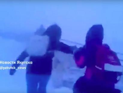 Ինչպես են Յակուտսկում երեխաները տուն վերադառնում դպրոցից՝ ձնաբքի դեմ կռվելով