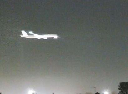 Տեսախցիկներն ամրագրել են օդանավի վայրէջքից առաջ ցած ընկնող երկնաքարը (տեսանյութ)