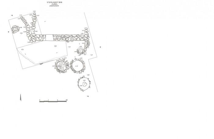 Եղեգնաձորի դպրոցի տարածքում հայտնաբերված հնձանի մանրամասն նկարագությունն ու ֆոտոպատմությունը