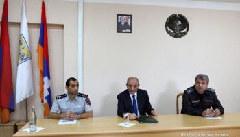 Президент Бако Саакян представил сотрудникам полиции новоназначенного руководителя ведомства