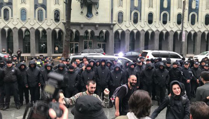 В Тбилиси начались аресты протестующих
