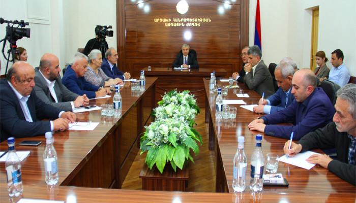 Արցախի Հանրապետության խորհրդարանում քննարկել են ներքաղաքական իրավիճակը