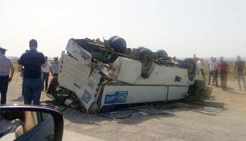 В Баку грузовик врезался в автобус, один человек погиб
