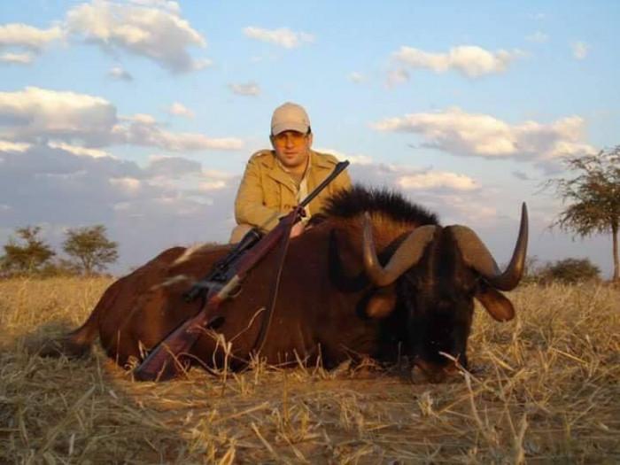 Քոչարյանի որդի Սեդրակ Քոչարյանը՝ իր զոհը դարձած կենդանիների հետ