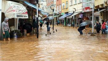 Meteoroloji'den Karadeniz için Sel Uyarısı: 6 İlde Kuvvetli Yağış Bekleniyor