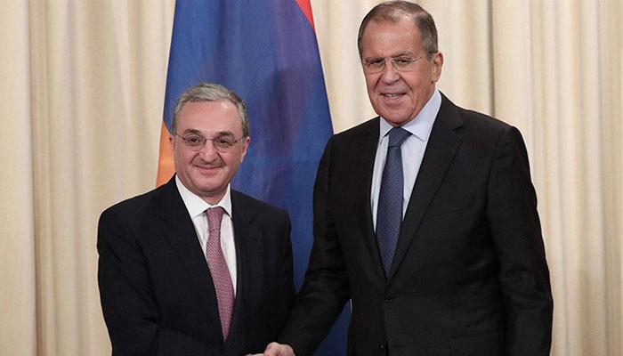 Лавров обсудил с главой МИД Армении углубление взаимодействия двух стран