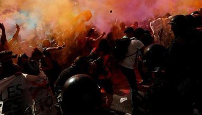Barselona'da bağımsızlık referandumunun yıldönümünde ayrılıkçılar meydanlarda