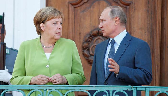 Путин и Меркель проводят встречу в Стамбуле