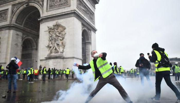 Arc de Triomphe damaged