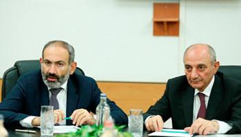 Бако Саакян встретился с и.о. премьер-министра Армении Николом Пашиняном