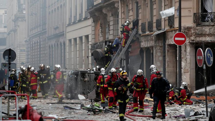 Paris 'gas explosion' kills four in city centre
