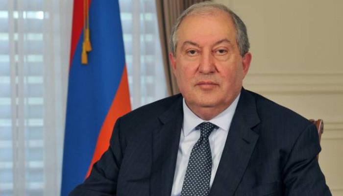 Президент Армении назначил 12 министров
