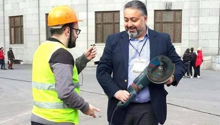 «Սա էլ իմ զենքը». Վիկտոր Մնացականյան
