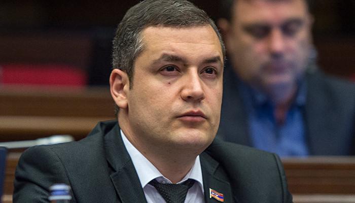 <h2>Тигран Уриханян ввел в обращение новый законопроект об отмене возрастного ограничения при приеме гражданина на работу</h2>