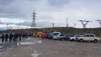 Работники ЗАО «Араратцемент» продолжают забастовку