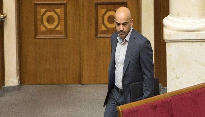 Облитого фекалиями депутата Рады не пускали в Армению