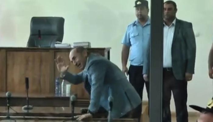 Ռոբերտ Քոչարյանը բերվեց նիստերի դահլիճ
