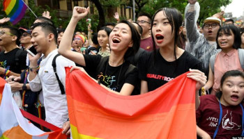 Taiwan gay marriage: Parliament legalises same-sex unions