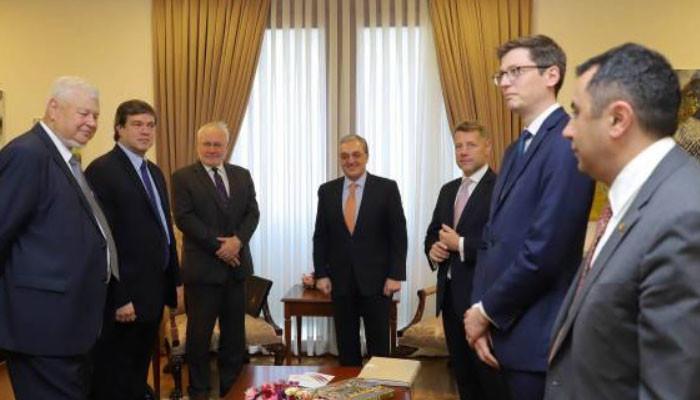 ՀՀ ԱԳ նախարարը և ԵԱՀԿ Մինսկի խմբի համանախագահներն անդրադարձել են բանակցային գործընթացում Արցախի լիարժեք ներգրավմանը