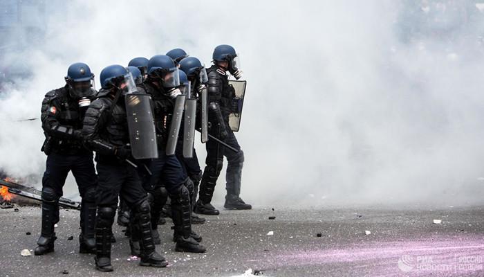 Ոստիկանությունն արցունքաբեր գազ է կիրառել «դեղին բաճկոնների» ցույցի ժամանակ