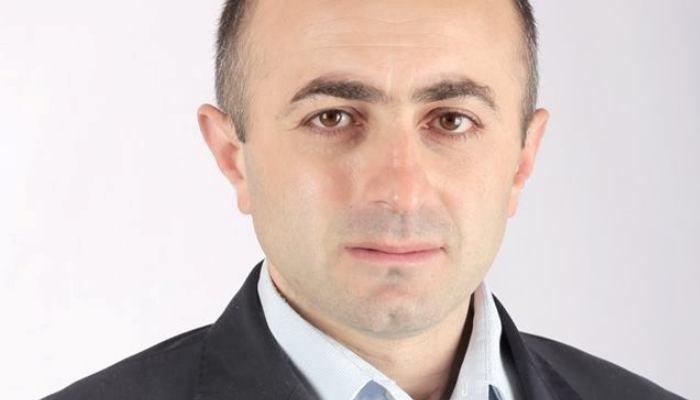 Айк Ханумян: Поступают сообщения о том, что в Арцахе разадают стройматериалы за голоса