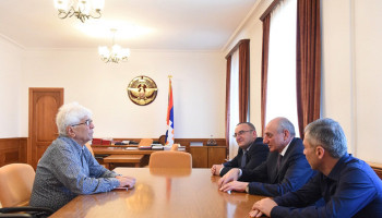 Bako Sahakyan received composer Robert Amirkhanyan