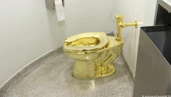 "Worth millions of euros: Gold toilet ""America"" ​​stolen - at Churchill's birthplace"