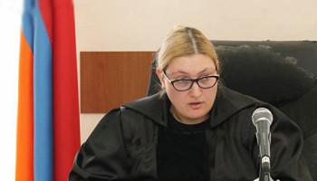 Դատարանը քննում է Ռ. Քոչարյանի պաշտպանների՝ դատավորին ու դատախազին ինքնաբացարկ հայտնելու միջնորդությունը