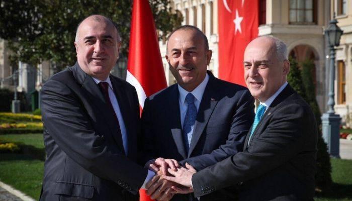 В Тбилиси началась встреча глав МИД Азербайджана, Грузии и Турции