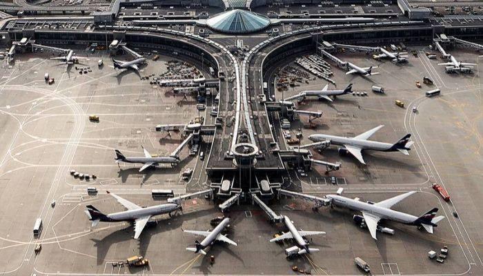 Russia to halt all international flights