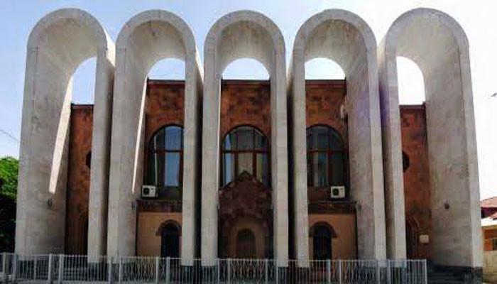 Արամ Խաչատրյանի ստեղծագործությունները՝ Երևանի տարբեր վայրերում