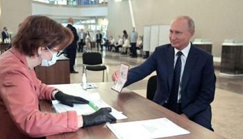 Опубликованы первые данные экзит-поллов по голосованию по поправкам