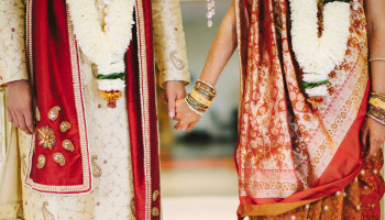 В Индии жених на свадьбе заразил коронавирусом более ста человек и умер