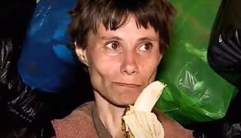 Не выходившая из дома 26 лет россиянка показала, как живет