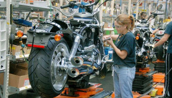 #HarleyDavidson to cut 13% of global workforce. #WSJ