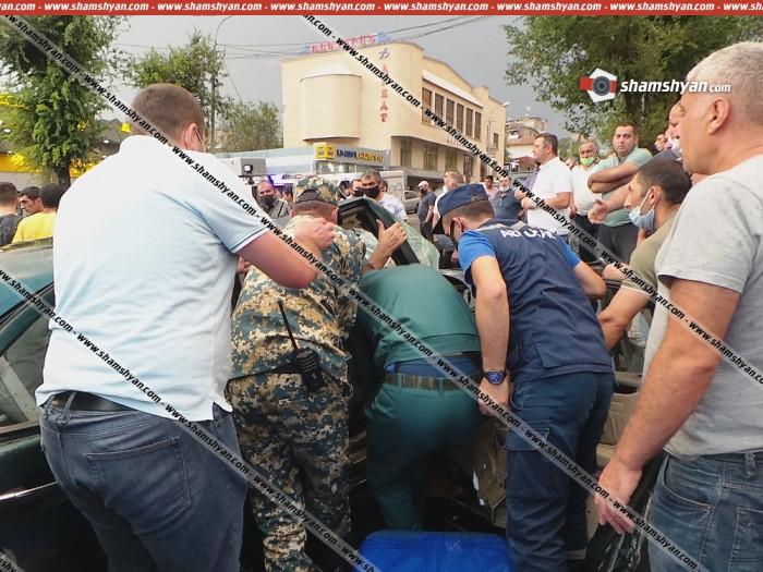 Մանրամասներ` Երևանում խոշոր ավտովթարից․ վիրավորների մեջ է ռեկտորի օգնականը