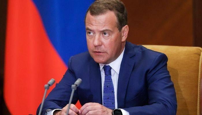 """Медведев։ Проблема Нагорного Карабаха-""""тяжелая, сложная, долгая"""""""