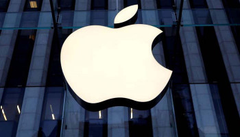Apple Surges to $2 Trillion Market Value