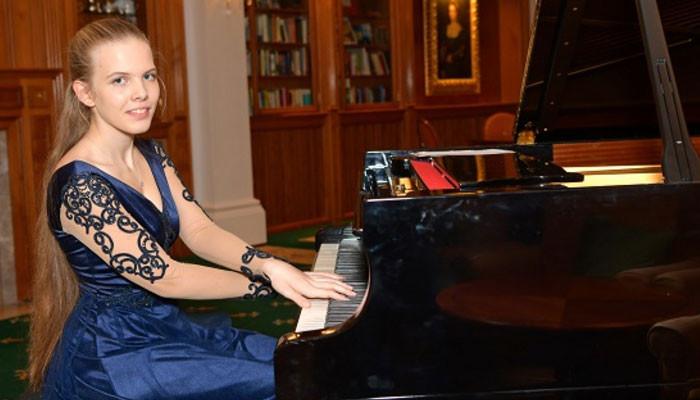 Դաշնակահար Եվա Գևորգյանը «Գրան պրի» և հատուկ մրցանակ է ստացել Չիկագոյի միջազգային մրցույթում