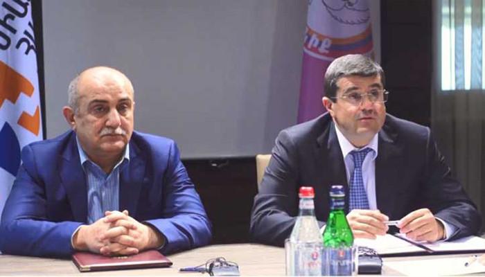 Самвел Бабаян: Мы не в том положении, чтобы вступать в схватку друг с другом