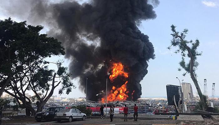 Армия Ливана объявила о намерении привлечь к тушению пожара свои вертолеты