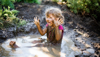 Letting kids get dirty has lifelong health benefits