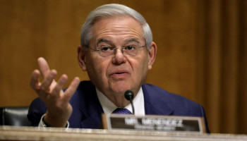 Senator Menendez called for $ 100 million in humanitarian aid to the Armenian people