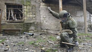 В Степанакерте за сутки обезврежено около 100 взрывоопасных предметов