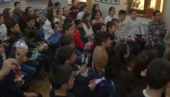 Ռուսաստանի երեխաներըԱրցախի երեխաներին 1500 բացիկ և 1200ամանորյա խաղալիք են փոխանցել