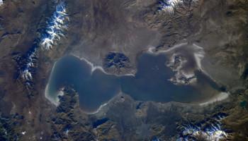 Исчезающее озеро Урмия показали из космоса