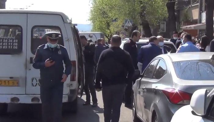 Արտակարգ դեպք Երևանում. ահազանգողն ասել է, որ ինքը չեչեն է, «Կապույտ մզկիթի» մոտ է, որտեղ ահաբեկչություն է կատարելու