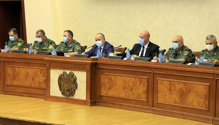 Նախարարը հրամայել է ոչնչացնել ՀՀ սահմանը հատելու փորձ անող ադրբեջանցի զինվորականներին